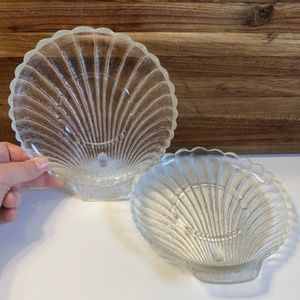 """Vintage Small 7.5"""" Clear Glass Shell Plates Set 2"""